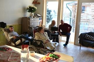 Жители Дома в Раздолье и гости